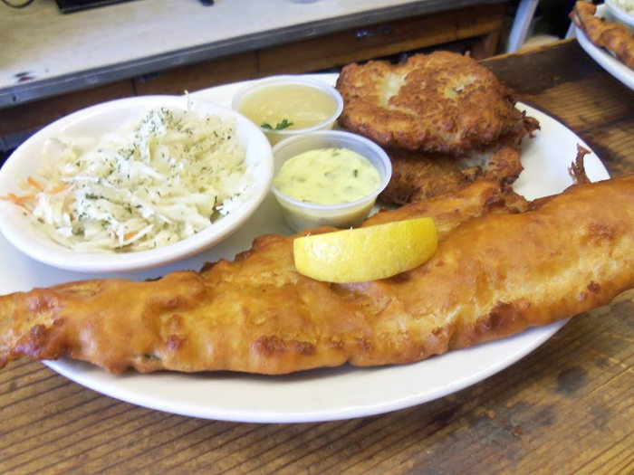best fish fry dinners in the queen city