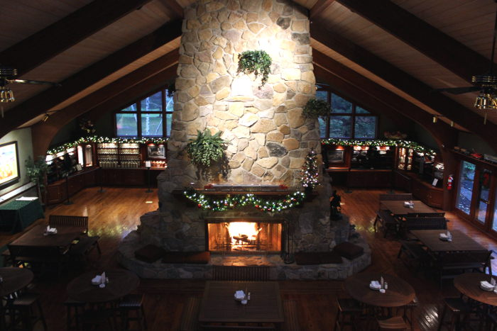 12 Of The Best Fireplace Bars Restaurants And Cafes