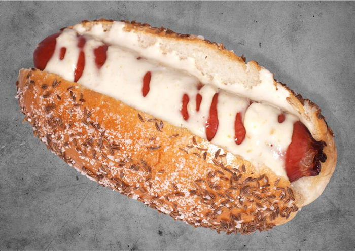 Beef on Weck Hot Dog, Step Out Buffalo, Dog e Style