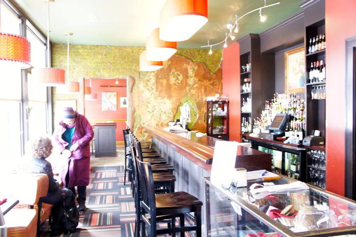 Betty's Bar - Restaurant Listing