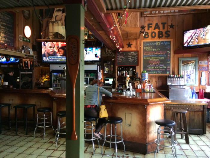 Fat Bob's Bar, Bar, Fat Bobs, Buffalo NY, Restaurant Review, BBQ, Step Out Buffalo