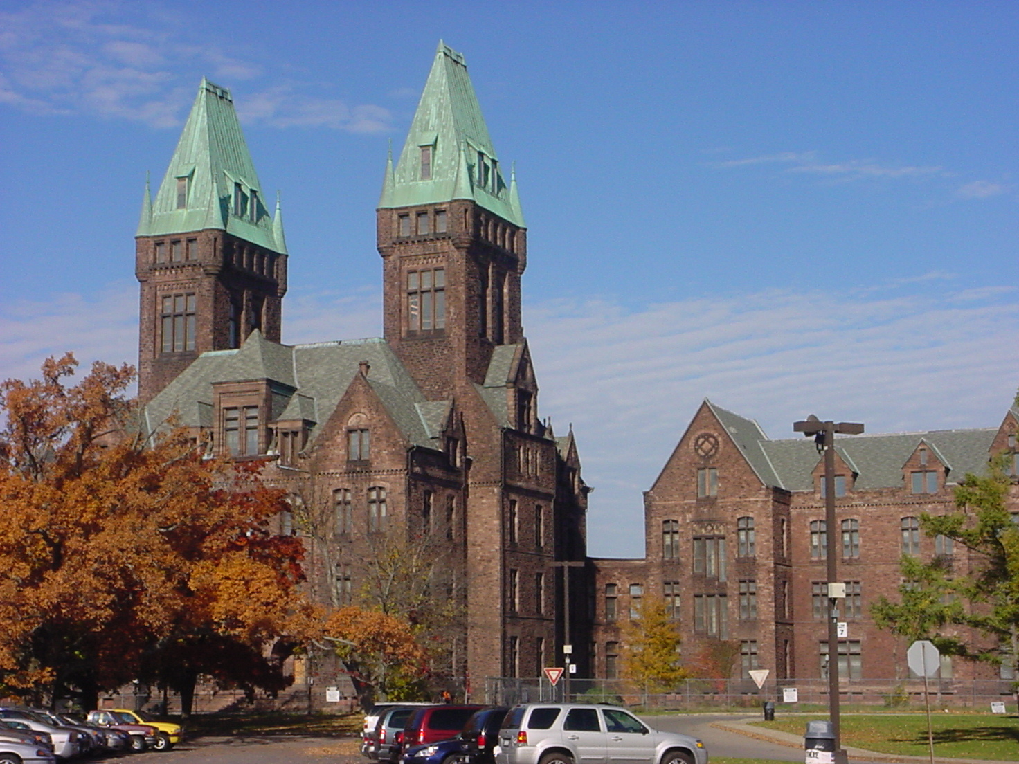 Richardson olmsted complex tours offer intimate glance at for Things to do in nyc next weekend