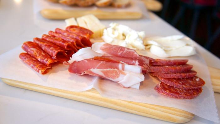 salumeria-belsito-v-day-drinks-meat