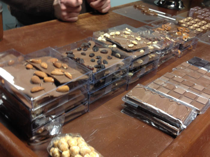 Things to do in Buffalo - Horsefeathers Market chocolat