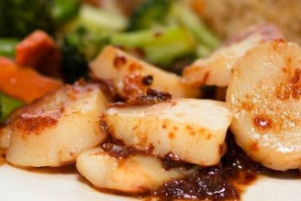winny's steak seafood scallops