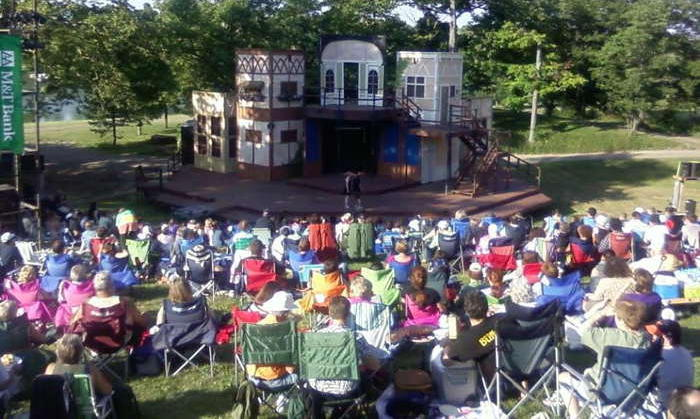 4 Reasons Shakespeare in Delaware Park is the Perfect Evening