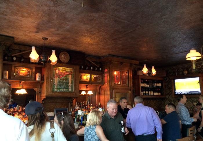 Ulrich's Bar