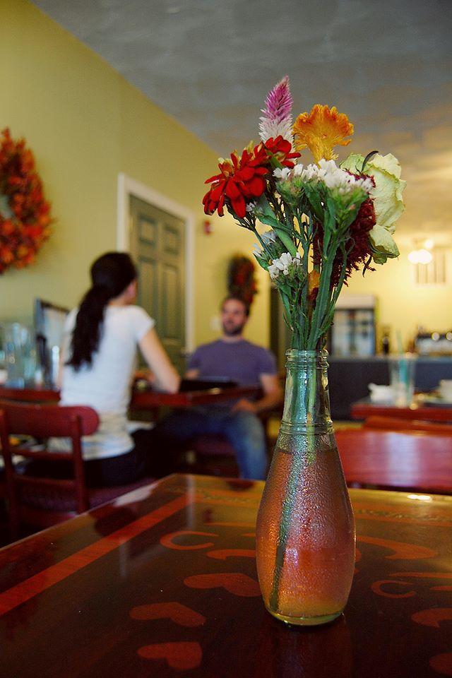 Ashker's Juice Bar & Bistro