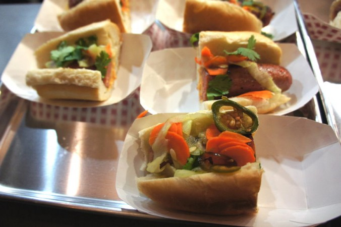 n-dog-e-style-hot-dogs
