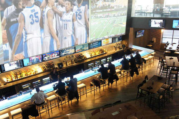 UB Bulls, sports, sports bars, march madeness, basketball, bufalo, buffalo's best bars, college, ncaa, tournament, 716 Food & Sport, 716, things to do