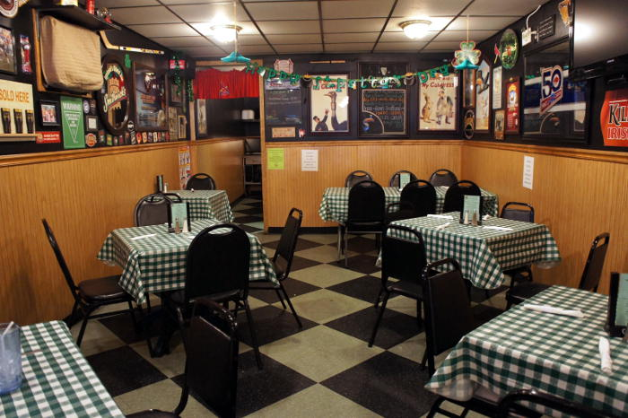 Step Out Buffalo, dining in buffalo, dining out, food in buffalo, south buffalo, conlons, conlons bar and grill, conlons south buffalo