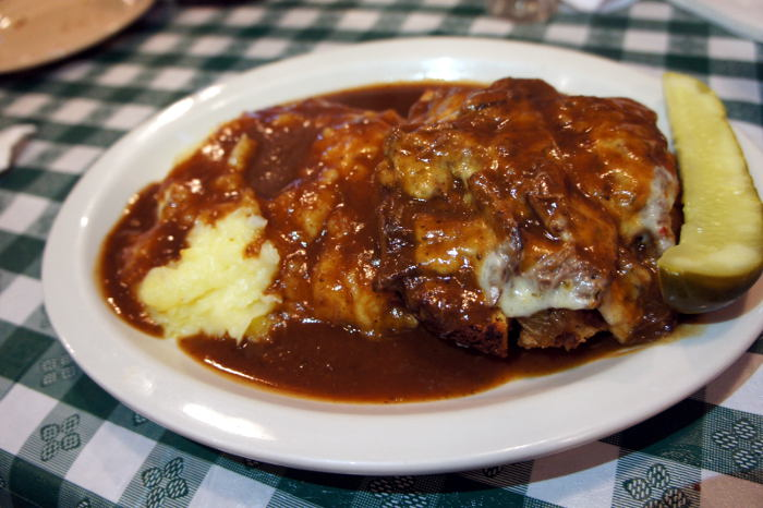Step Out Buffalo, dining in buffalo, dining out, food in buffalo, south buffalo, conlons, conlons bar and grill, conlons south buffalo, open faced sandwich, pot roast sandwich
