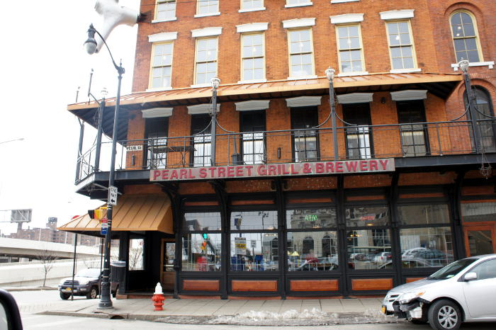 pearl street grill, pearl street grill and brewery, step out buffalo, march madness, where to watch basketball games, where to watch the game, bars to watch the game, bars in buffalo, best bars in buffalo, best sports bars in buffalo, where to watch march madness, march madness