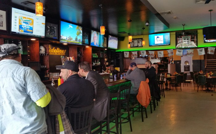 sidelines, bar, step out buffalo, march madness, where to watch basketball games, where to watch the game, bars to watch the game, bars in buffalo, best bars in buffalo, best sports bars in buffalo, where to watch march madness, march madness