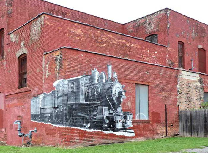 Train Mural / Photo by Lauren Spoth