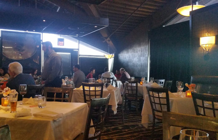 800 Maple Restaurant, Buffalo, dining guide, Williamsville,