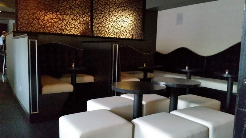 Black-Swan-Lounge-dining