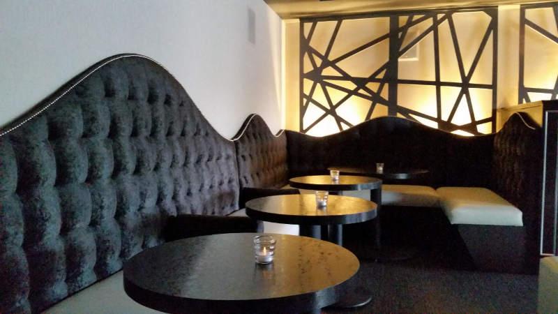 Black-Swan-Lounge-dining2