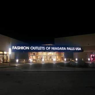 fashion outlets niagra