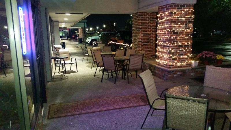 Fiero Mediterranean Fusion, patio