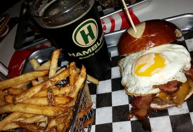 Juicy Burger bar, Hamburg, Burgers, Beer, Buffalo, dinner