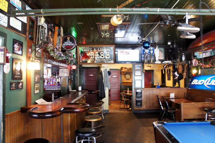 more seating at Essex Street Pub, Buffalo Restaurants