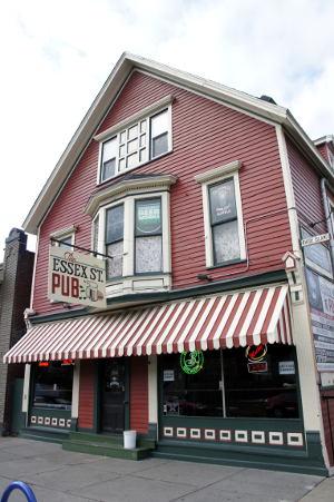 Outside view of Essex Street Pub, Buffalo Restaurants