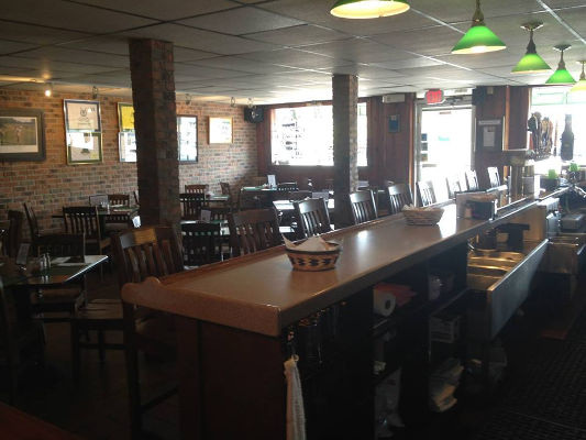 Frank's Bar and Grille