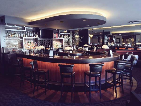 Olivers-bar-2