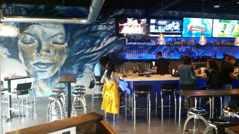 Midtwon Kitchen-Buffalo-bar