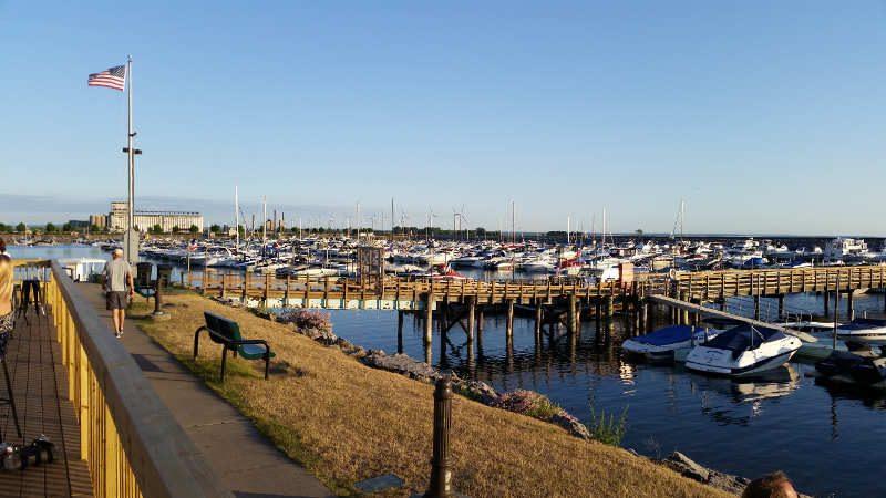 charlie's boat yard marina