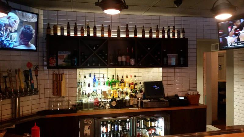 Joe's-Deli--bar
