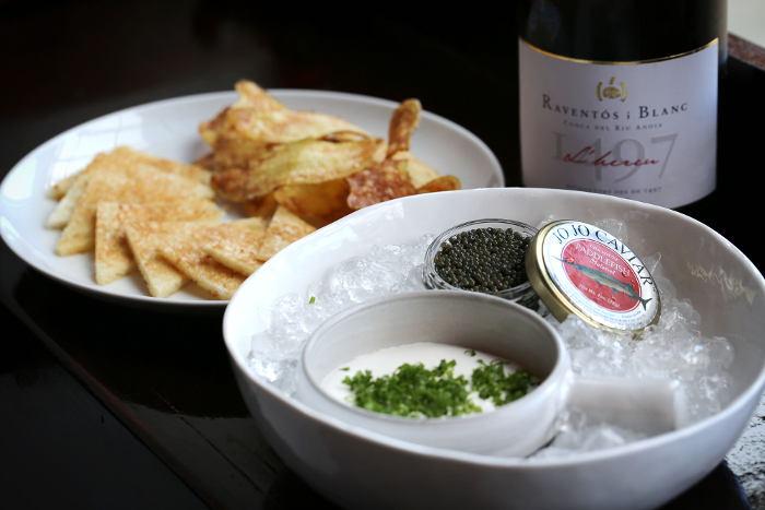 aro-tasting-menu-caviar