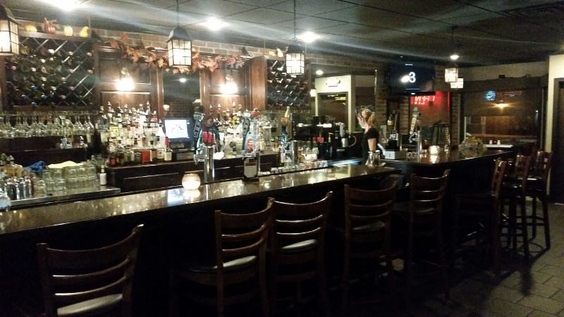 Hollow Bistro Bar