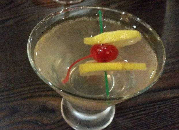 Hollow Bistro Martini