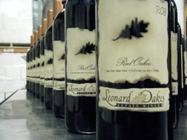 Leonard Oakes Estate Winery