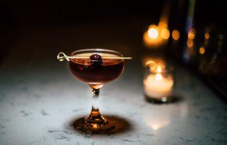 Manhattan, Billy Club