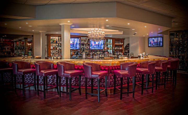5 Weekday Specials That Will Have You Hustling To The Chandelier Bar At Salvatore S Step Out