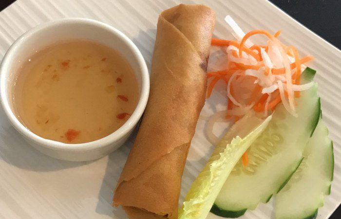 Crisp Spring Roll w/chili garlic sauce