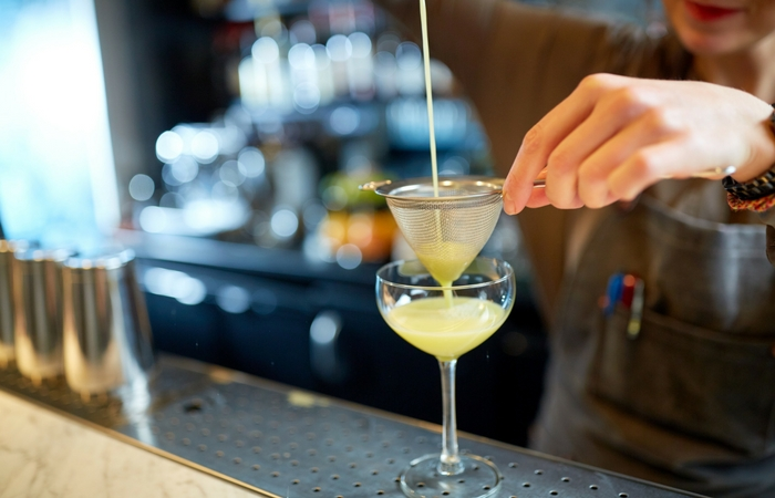 #themoreyouknow: Master the Art of Cocktails at This Unexpected Bar in NT