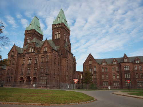 Richardson-Olmsted Complex