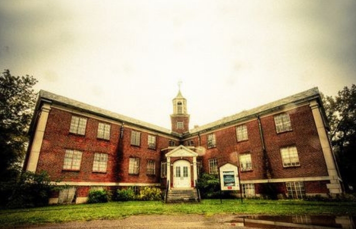 A Night At The Asylum With SyFy's Ghost Hunters Steve and Tango