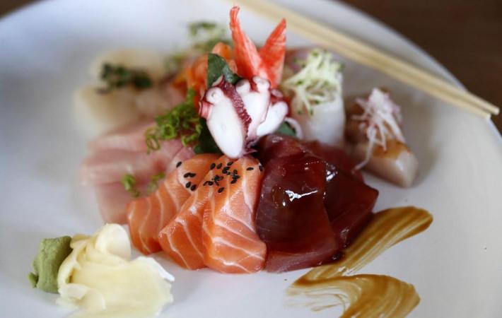 Yoshi Sushi Bar & Eatery