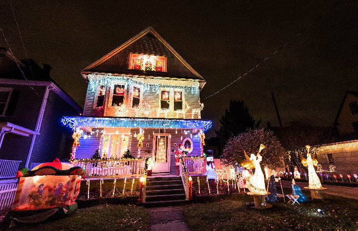 Beautiful 8 Best Decorated Homes In Buffalo For The Holidays