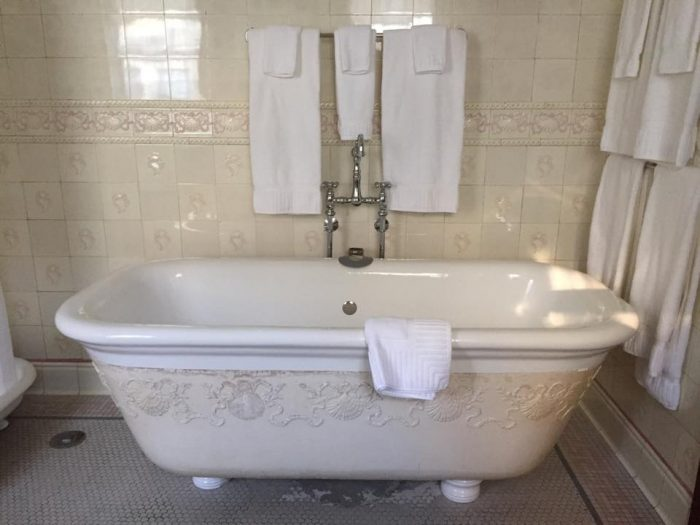 Soaking tub in the H. H. Hewitt Master Suite at InnBuffalo