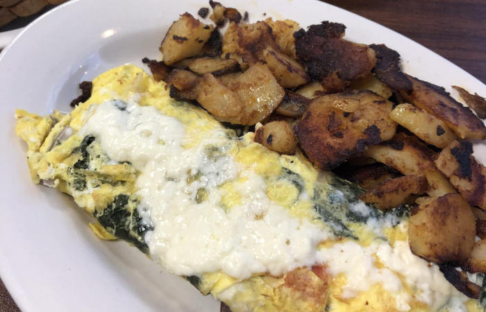 Sophia's: The Diner With Booze That's Here to Stay