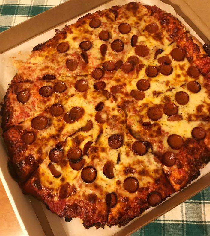 Bocce Club Pizza / Photo x Buffalo Pizza Blog