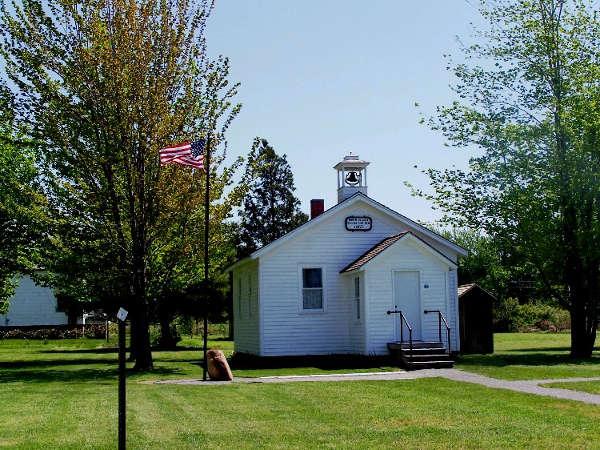 Schoolhouse #8 History Center & Museum
