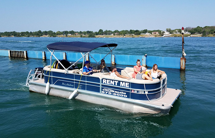 How You and Your Friends Can Rent a Pontoon Boat This Summer