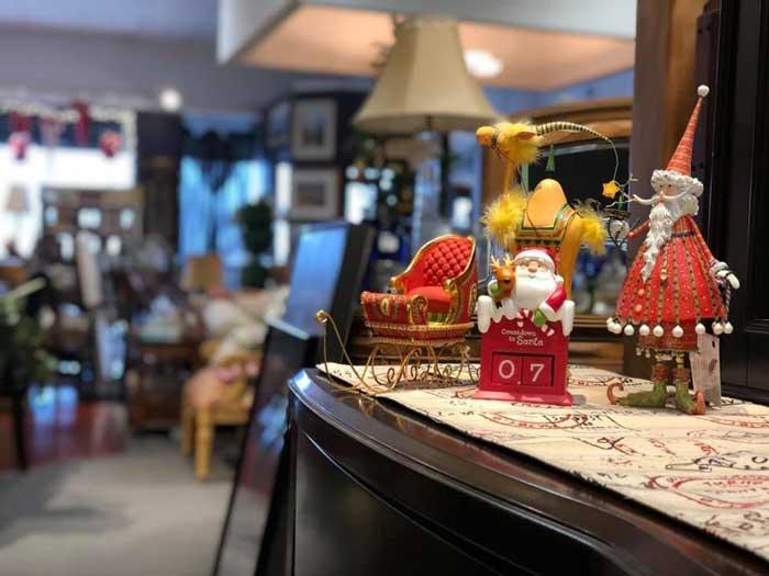 vintage shops: The Purple Feather